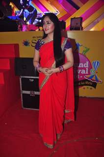 Aditi Sajwan poses for the media at Mulund Fest