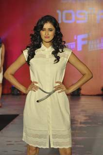 Mihika Verma poses for the media at 109 Fashion Show