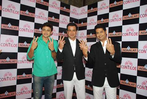 Team of Adaalat poses for the media at the Completion of 400 Episodes