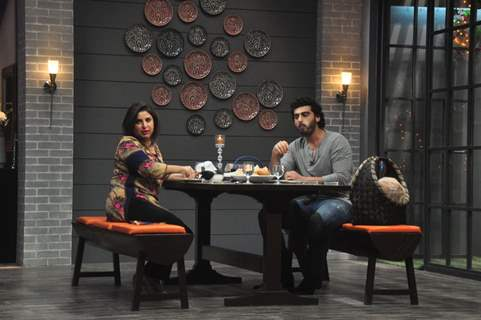 Arjun Kapoor and Farah Khan enjoy the food at Farah Ki Daawat