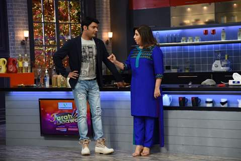 Kapil Sharma and Farah Khan were snapped while in conversation at Farah Ki Daawat
