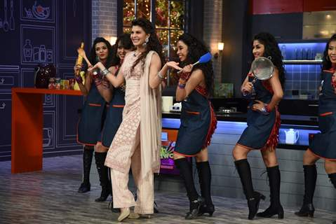 Jacqueline Fernandes performs at Farah Ki Daawat
