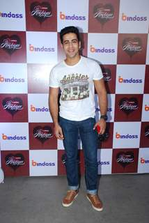 Dishank Arora poses for the media at the Special Screening of Yeh Hai Aashiqui's Last Episode