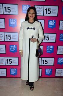 Simi Garewal poses for the media at the Grand Finale of Lakme Fashion Week 2015
