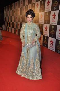 Sneha Wagh poses for the media at Star Parivaar Awards 2015