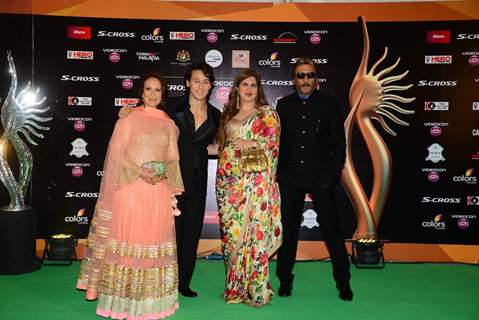 Shroff Family at IIFA Awards