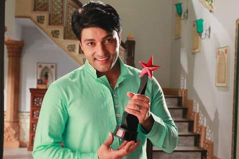 Anas Rashid with Star Parivaar Awards 2015