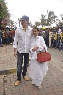 Aditya Pancholi and Zarina Wahab pose for the media at Salman Khan's Eid Celebration