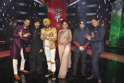 The Judges and Host of The Voice India Pose with Daler Mehndi