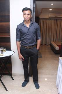 Abhijeet Sawant poses for the media at Suresh Wadkar's Birthday Bash