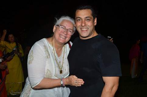 Salman Khan Celebrates Ganesh Chaturthi with Nafisa Ali