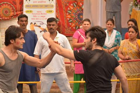 Kinshuk Mahajan and Rafi Malik Fight Scene in Tere Sheher Mein