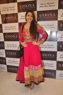 Dimple Jhangiani at Launch of Fiona Solitaires Stores
