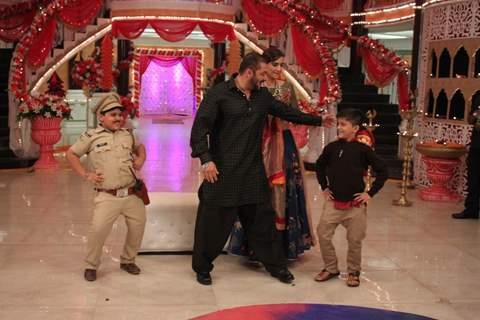 Salman Khan and Sonam Kapoor for Promotions of 'PRDP' on the sets of 'KumKum Bhagya'