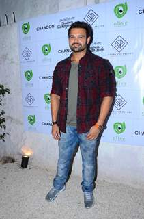 Mahaakshay Chakraborty Snapped Promoting Christmas Sale at Olive