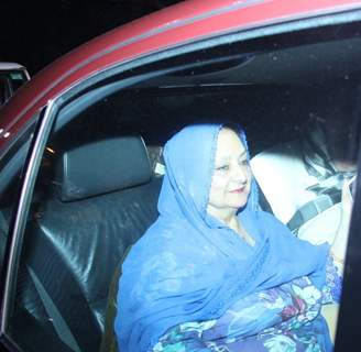 Veteran Actress Saira Banu Visits Salman Khan Post Final Verdict