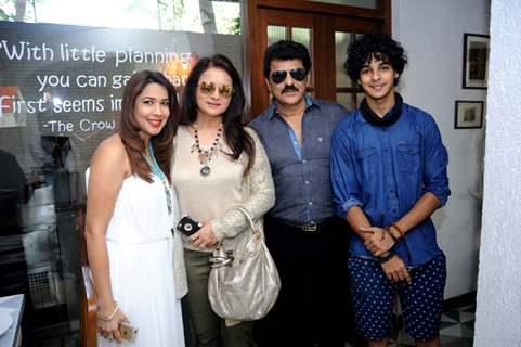 Poonam Dhillon, Rajesh Khattar and Ishaan Khattar Snapped at 'Fable' Restaurant