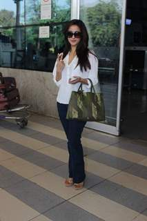 Raima Sen Snapped at Airport