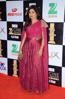 Shreya Ghoshal at Zee Cine Awards 2016