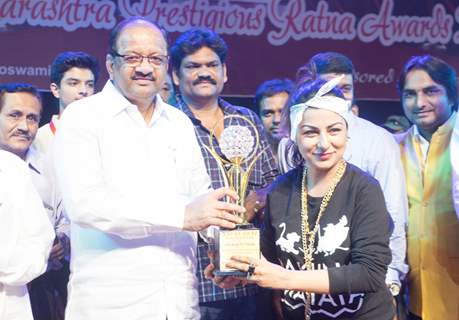 HARD KAUR honoured at the Maharashtra Ratna Awards