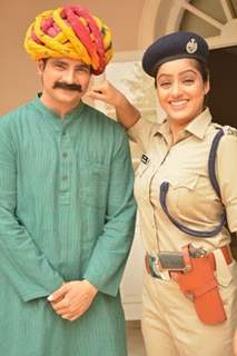 Deepika Singh and Karan Mehra comes to nab trafficking group