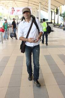 Imtiaz Ali Snapped at Airport