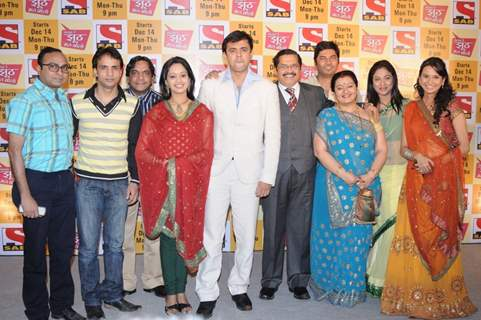 Cast of the show Sajan Re Jhoot Mat Bolo