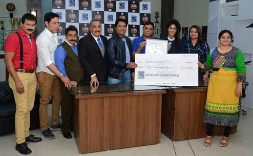 CID Felicitate the Winners of 'Shaatir Lekhak' Contest