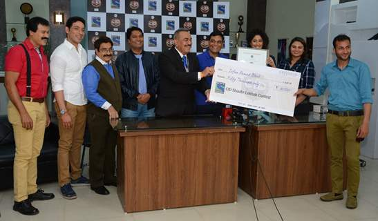 CID team Felicitates the Winners of the 'Shaatir Lekhak' Contest