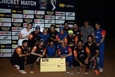 Jay Bhanushali and Sushant Singh Play Gold Cricket Charity Match For A Cause