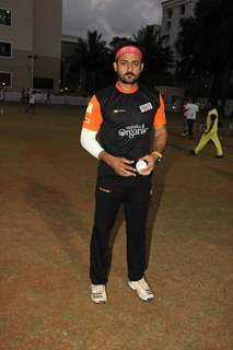 Manav Gohil Play Gold Cricket Charity Match For A Cause