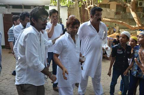 Rajpal Yadav at Actor Raza Khan' s Funeral