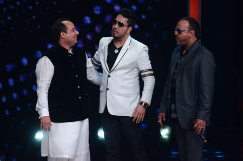Rahat Fateh Ali Khan & Mika Singh Promote of 'Dishoom' on Sa Re Ga Ma Pa 2016