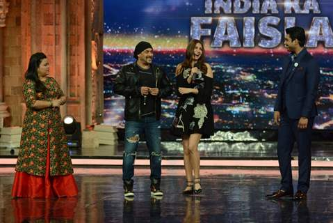 Salman Khan and Anushka Sharma Promotes 'Sultan' on the sets of 'India's Got Talent 7'