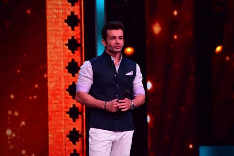 Jay Bhanushali at Promotions of 'Madaari' on ZEE TV - Sa Re Ga Ma Pa 2016
