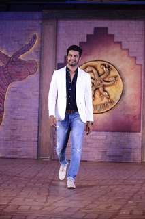 Sharad Kelkar at Mohenjo Daro Event!