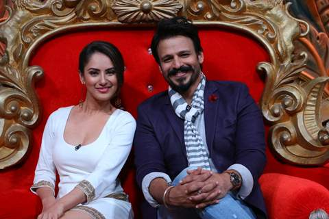 Vivek Oberoi and Pooja Bose Promotes 'Great Grand Masti' on 'Comedy Nights Bachao'