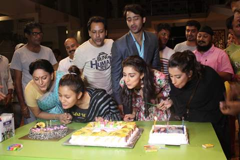 Shaheer and Erica celebrates completion of 100 episodes of 'Kuch Rang pyar Ke Aise Bhi'
