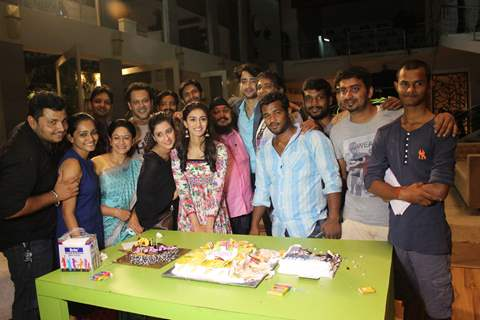 'Kuch Rang pyar Ke Aise Bhi' celebrates completion of 100 episodes