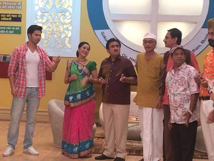 Superstar Varun Dhawan Promotes 'Dishoom' on SAB TV's Taarak Mehta Ka Ooltah Chashma!