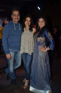 Varun Badola with wife Rajeshwari Sachdev at Singer Richa Sharma's Birthday Bash