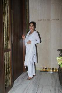 Preity Zinta snapped at Manish Malhotra's house
