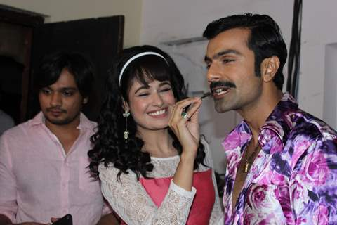 Yuvika Chaudhary, Ashmit Patel & Farhn P. Zamma gets a warm welcome on Amma Set