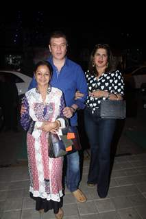 Aditya Pancholi and Zarina Wahab snapped for dinner in Bandra