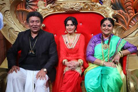 Uday Tikekar, Kamya Punjabi and Indira Krishnan visits on set of Comedy Nights Bachao
