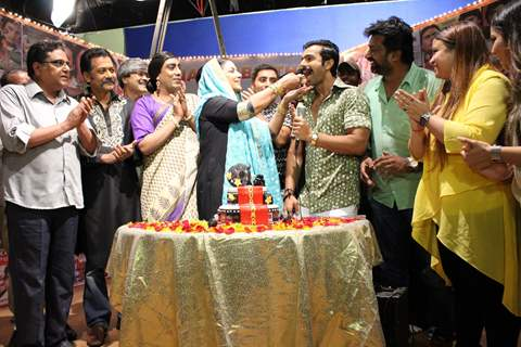 Celebs at Shabana Azmi's birthday bash on the sets of Amma