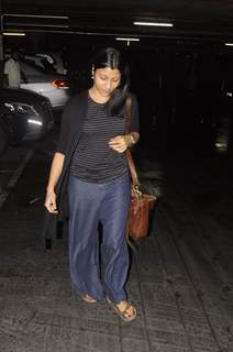 Konkona Sen Sharma snapped at airport!