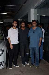 Shah Rukh Khan, Ritesh Sidhwani and Rahul Dholakia at Special Screening of 'Raees'