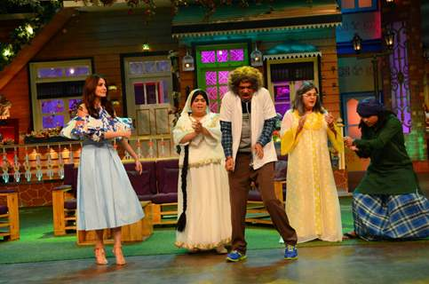 Anushka Sharma and Sunil Grover on 'The Kapil Sharma Show'
