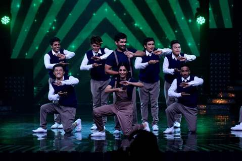 Shoaib & Dipika perform with Wild Rippers crew on the sets of Nach Baliye 8